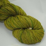 mandula Dark Green Grass Green Brown